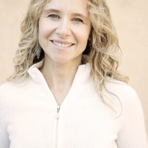 Dr Namita Caen