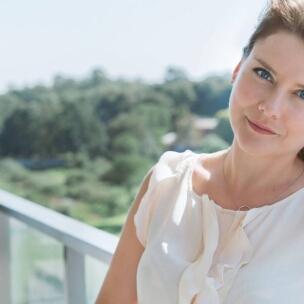 Dr. Agata Loewe