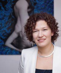 Dr. Celina Criss