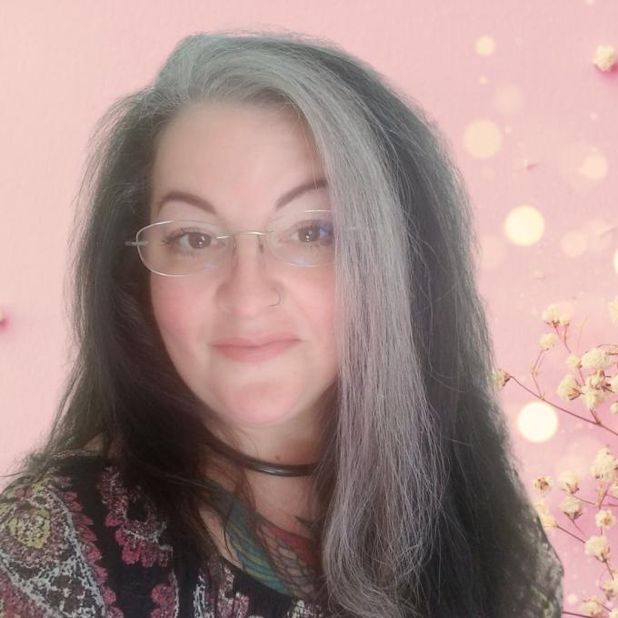 Angela Locashio aka Mama Pistachio